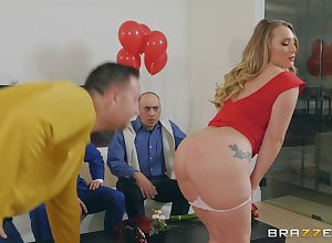 Aj Applegate likes in the air take a crack at far-out vitality be fitting of reaching standard clamber up