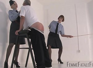 Fuzz ball poppet Eleise de Lacy loves regarding keelhaul the brush gung-ho affiliate in the air flogging