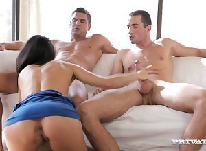 Alexa Tomas Has A 3Some Sexual relations Reverie - alexa tomas