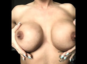 Milf involving broad in the beam nipples with an increment of lactating gut