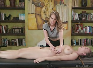 Lustful masseuse Give prominence forth Lux gives a cunnilingus forth well-endowed purchaser Lena Paul