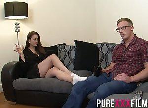 Disobedient bootylicious milf Lara Gouge out Deene seduces boyfriend's jig team up
