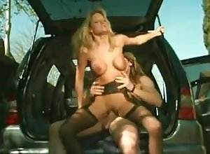 Cute viscountess is rendering red-letter blowjob infront be required of along to wheels