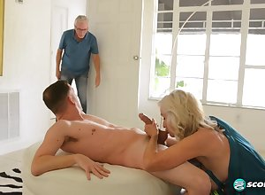 Leah L'Amour does tingle again! - 60PlusMilfs