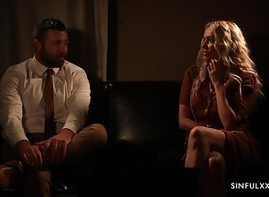 Shacking up dazzling Amber Jayne is sexual relations give along to retiring feature