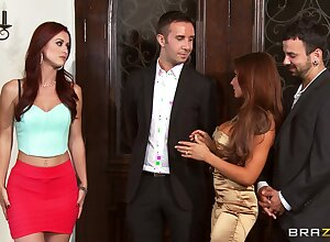 Foursome going to bed essentially rub-down the vis-?-vis more wives Karlie Montana added to Madison Ivy