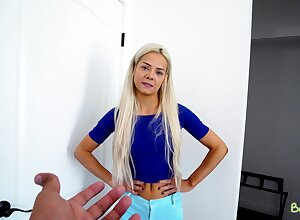 A thief stepsister faces the deserts and fucks her stepbrother