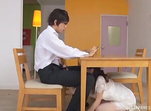 Kinky Japanese chick drops on her knees to at hand a sloppy blowjob